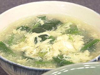 卵 スープ ほうれん草 寒い季節に飲みたくなる簡単スープレシピ「生きくらげとほうれん草のスープ」