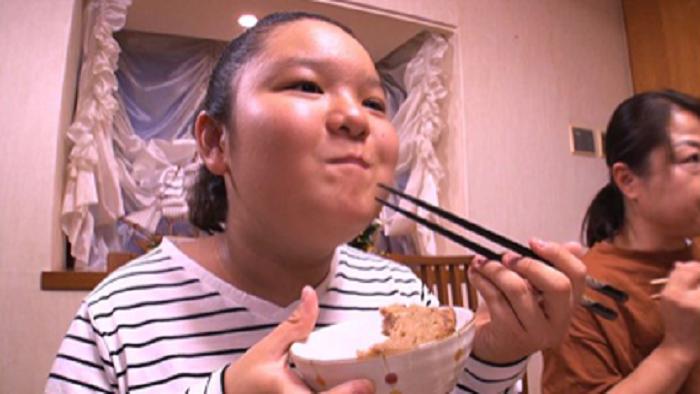 なぜ太らない 大食い美女