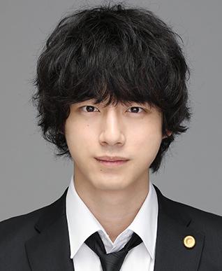 弁護士 黒川 拓(坂口健太郎)