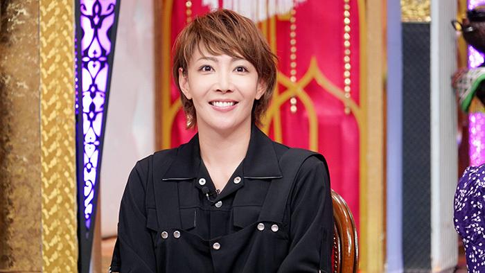 歴史を塗り替えた元宝塚トップスター・柚希礼音 愛犬の誕生日会にも ...