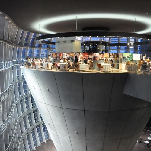 「国立新美術館」の画像検索結果